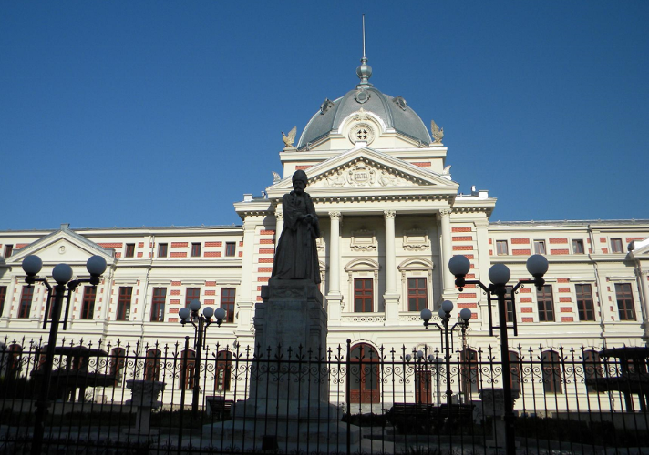 Blocul de sterilizare al Spitalului Colțea, defect de o săptămână. Instrumentele sunt trimise cu ambulanța și sterilizate la alt spital din București