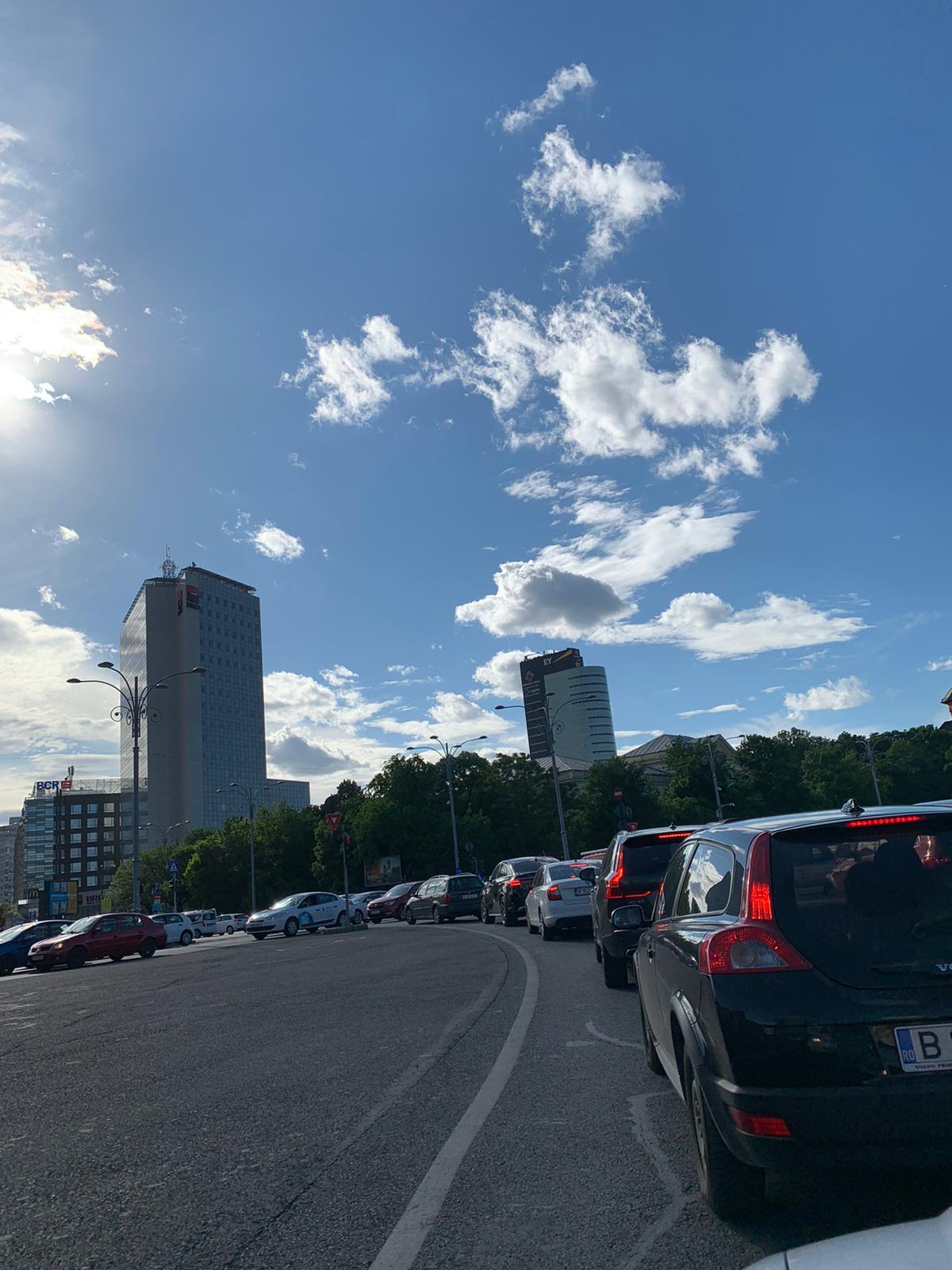 Deschiderea școlilor în București a paralizat traficul. Polițiștii de la Rutieră au intervenit