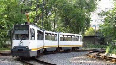 Photo of Așa a luat naștere tramvaiul modern din București. Cum arătau primele modele