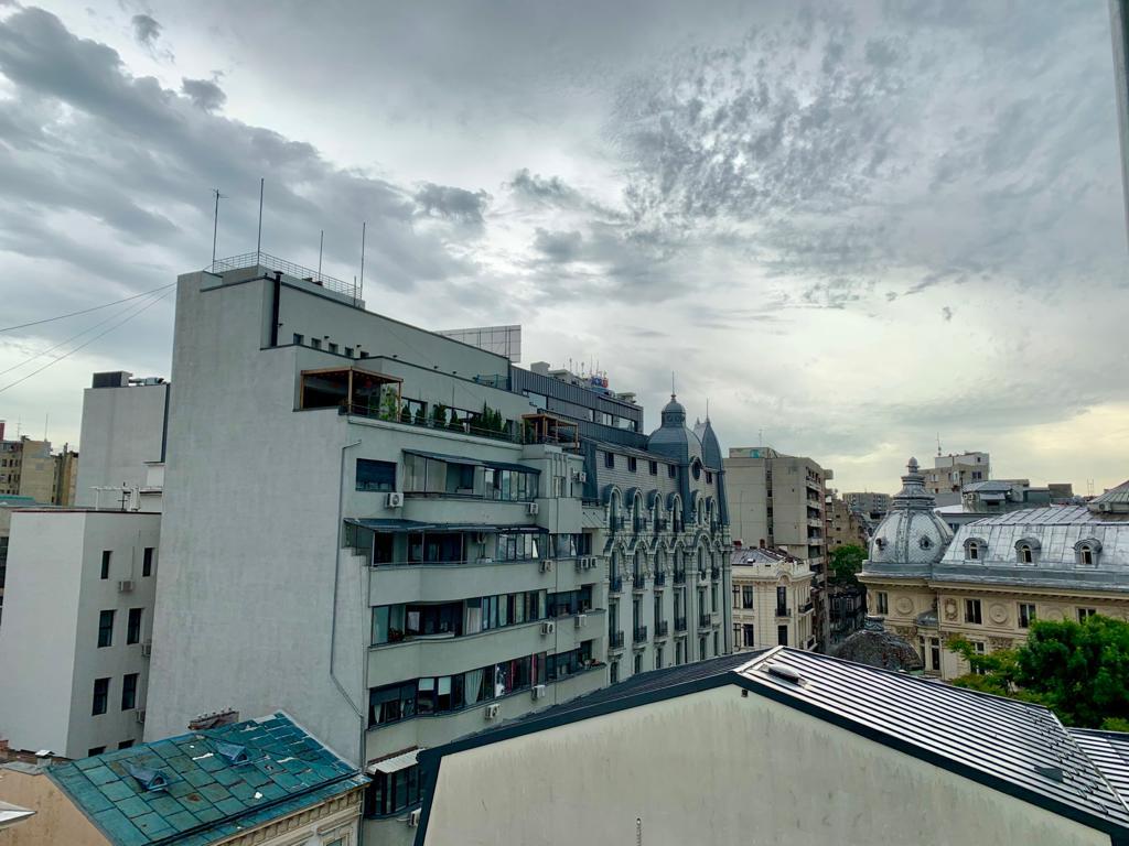Vremea în București. Pregătiți umbrelele, prognoza meteo ne joacă feste