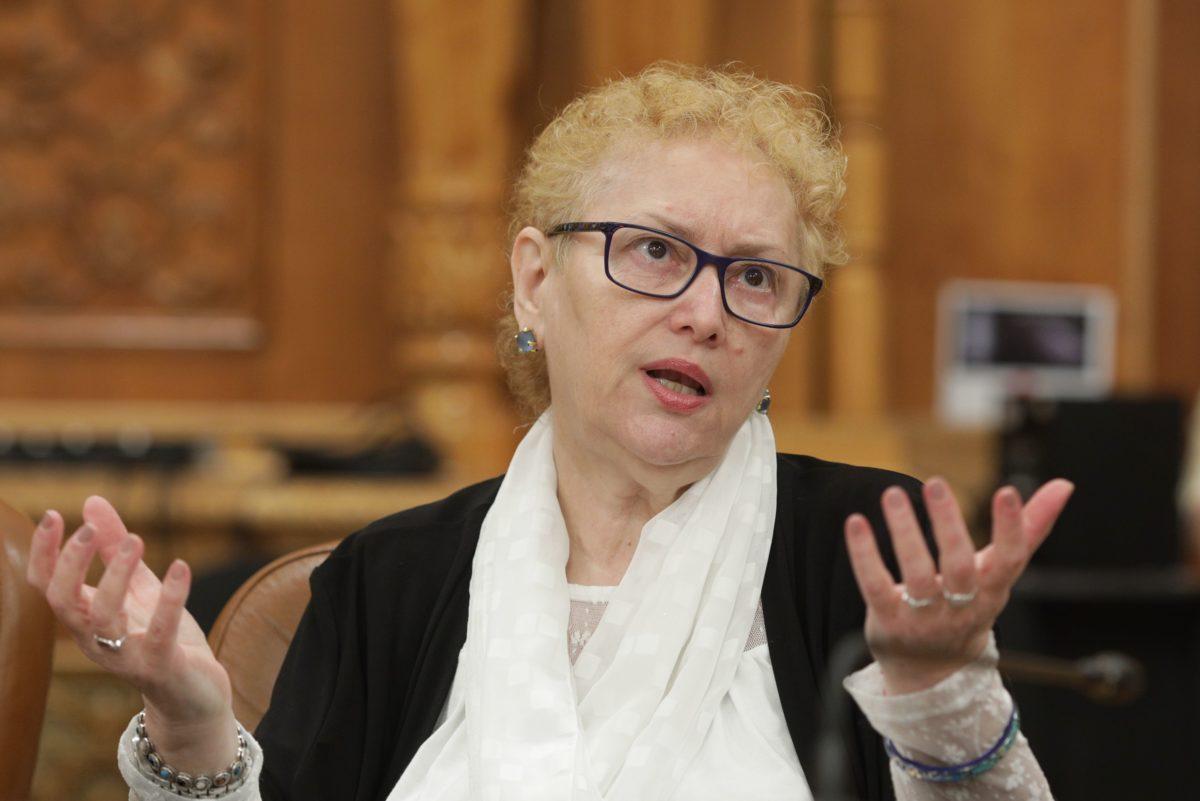 Renate Weber a fost revocată din funcție