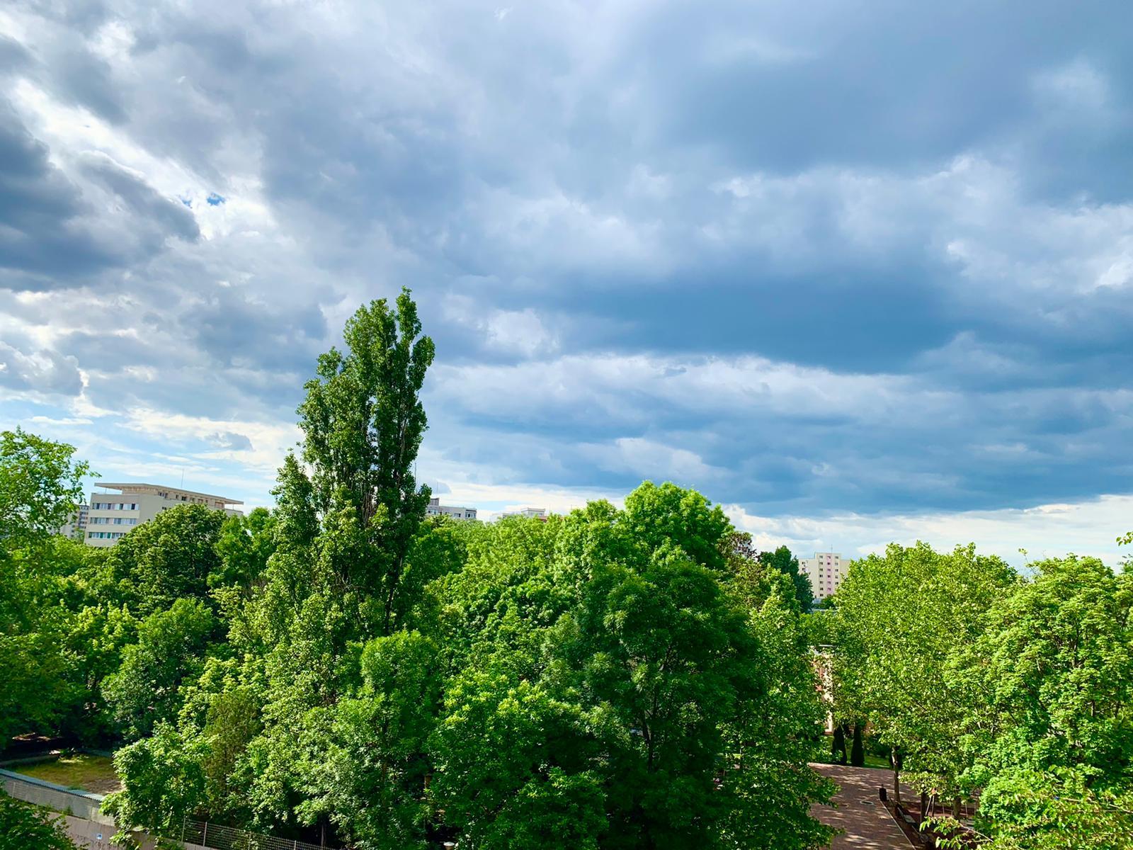 Prognoza meteo. Temperaturile se apropie de normalul acestei perioade, dar ploile încă nu dispar