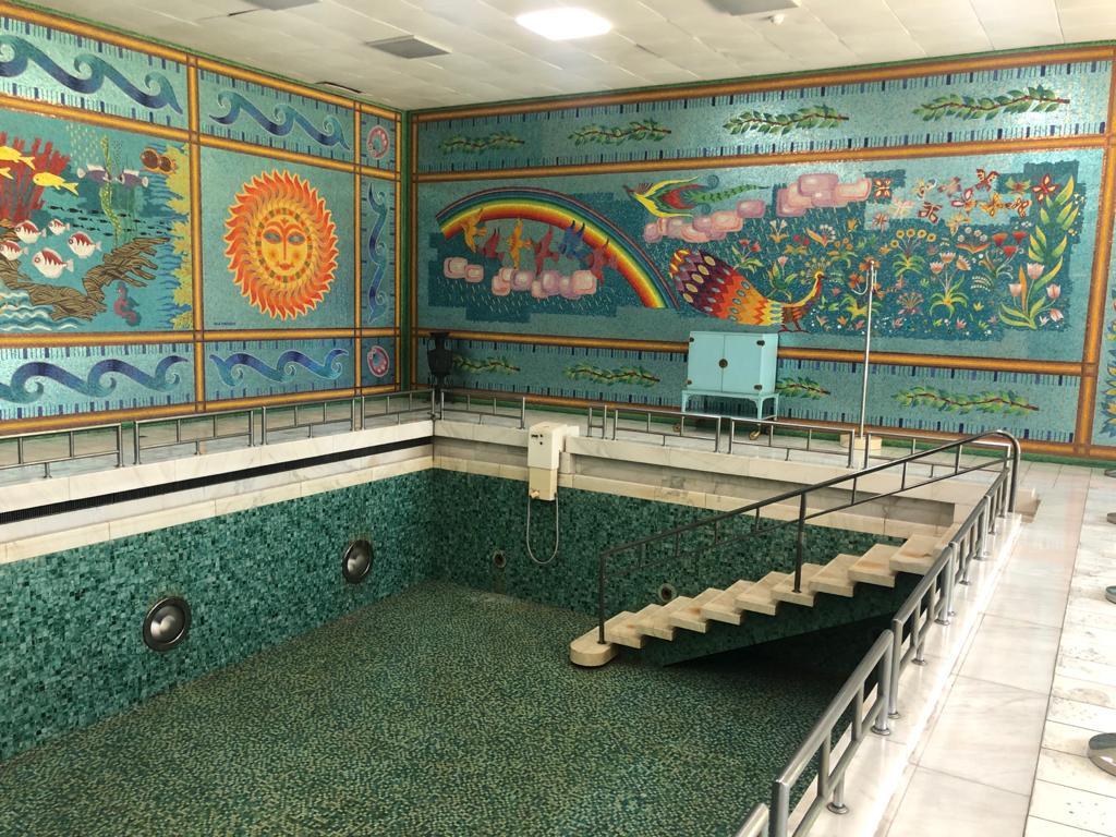 piscina, palatul, primaverii