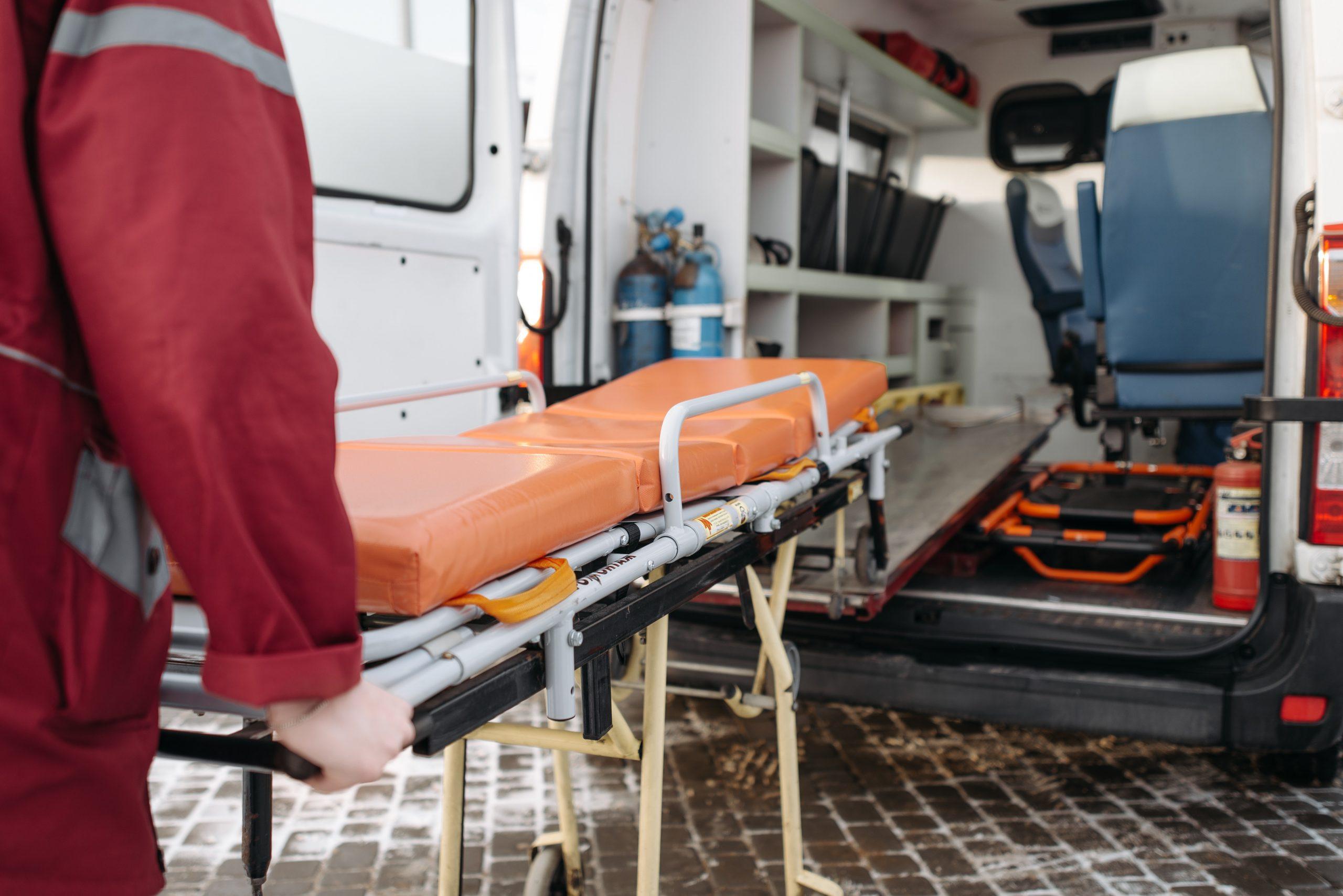 Personalul care lucrează pe ambulanță și în UPU nu va mai fi obligat să se pensioneze la 57 de ani