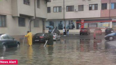 Photo of Vijelie în Bragadiru. Mai multe străzi au fost inundate după o ploaie torențială în doar câteva minute VIDEO