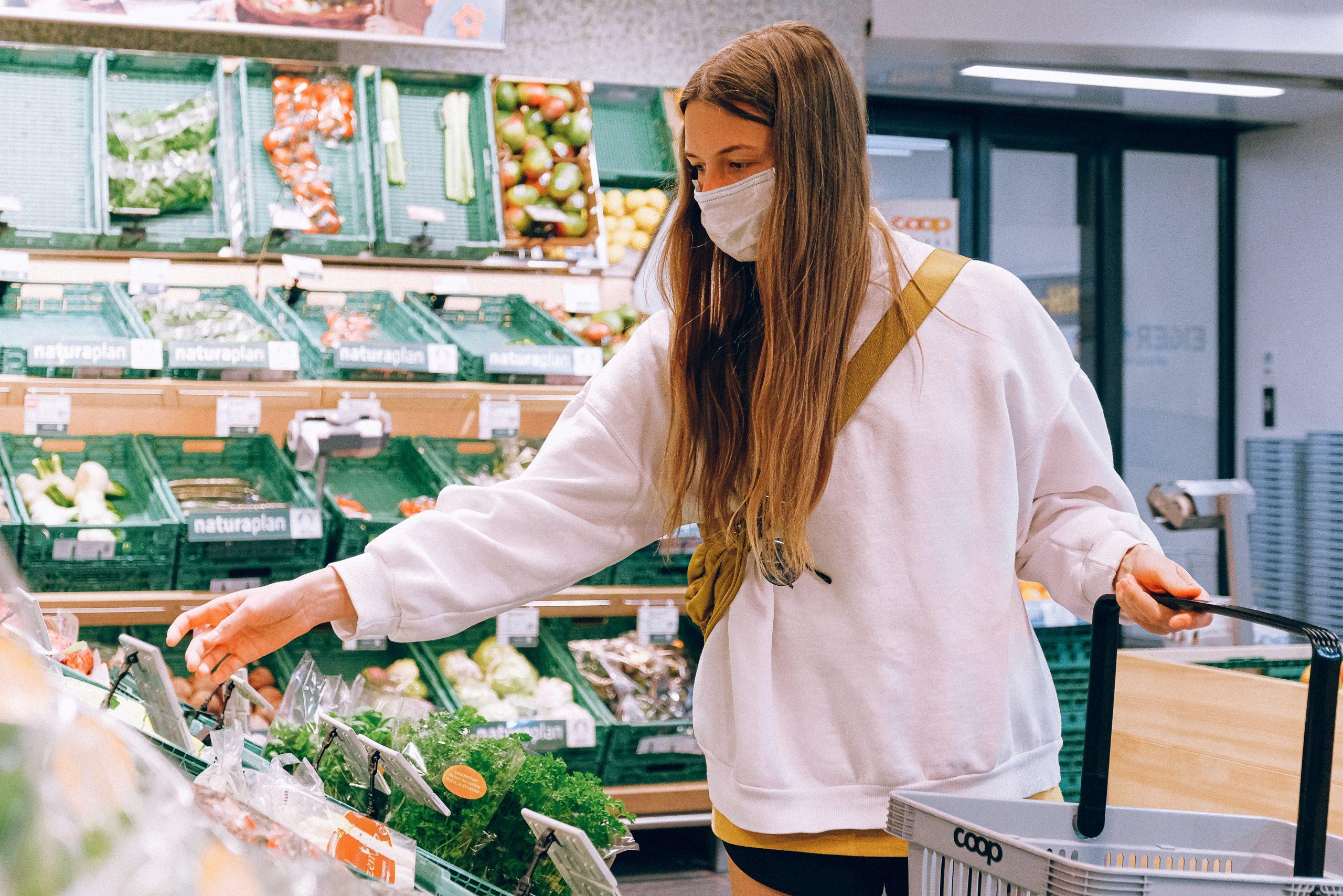 Broccoli cu pesticid peste limita admisă, retras din magazinele Cora
