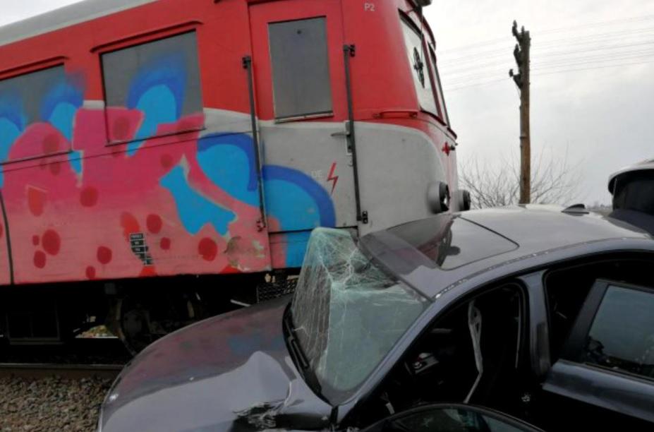 Mașină lovită de tren în Ilfov