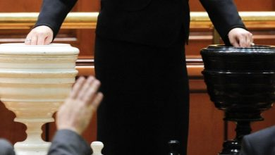 Photo of Moțiunea de cenzură inițiată de PSD nu a trecut. Guvernul Cîțu rămâne în funcție. Show marca Șoșoacă