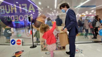 Photo of Nicușor Dan a mers împreună cu fiica sa, Aheea, la evenimentele de 1 iunie organizate într-un mall din Capitală
