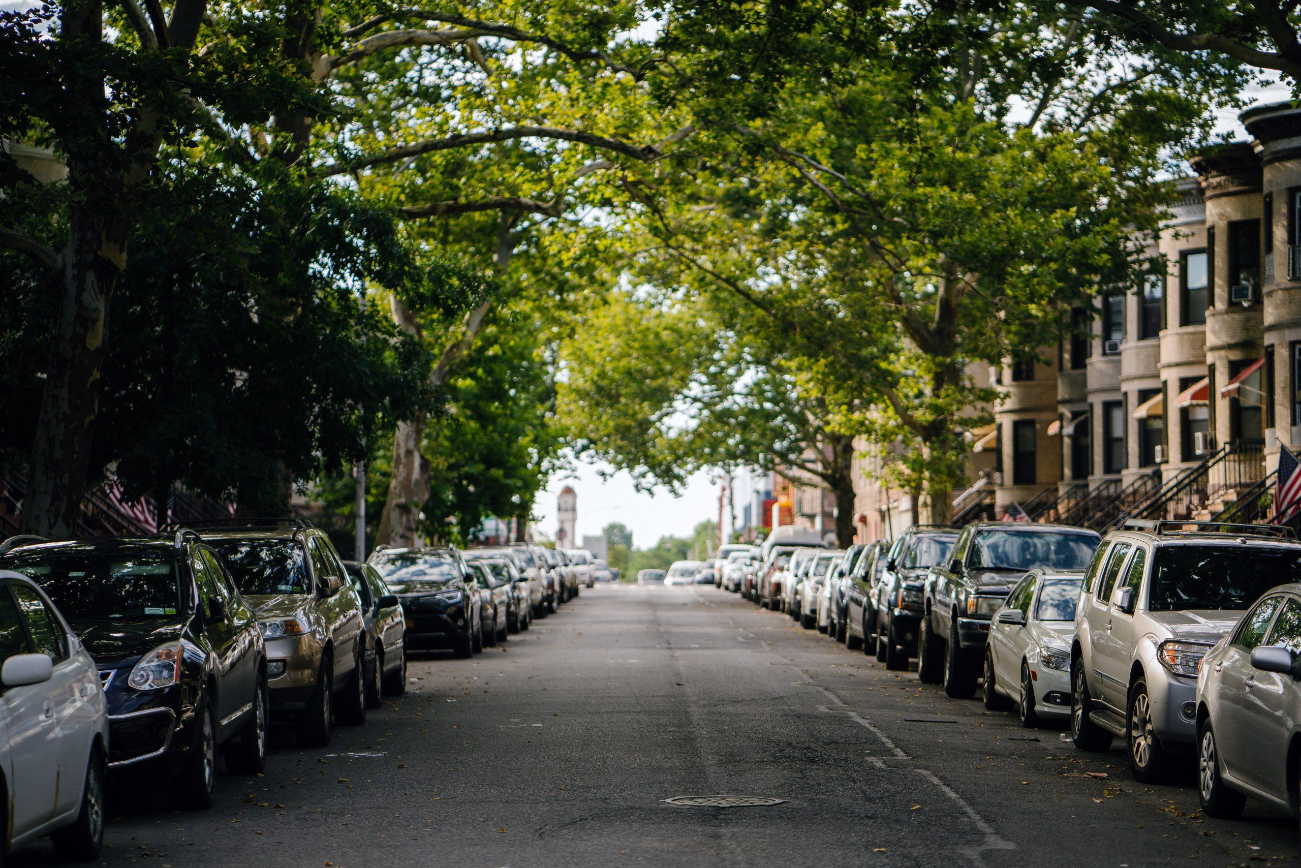"""Nicușor Dan vrea să crească prețul parcărilor din București. La ce se referă """"strategia de parcare"""""""