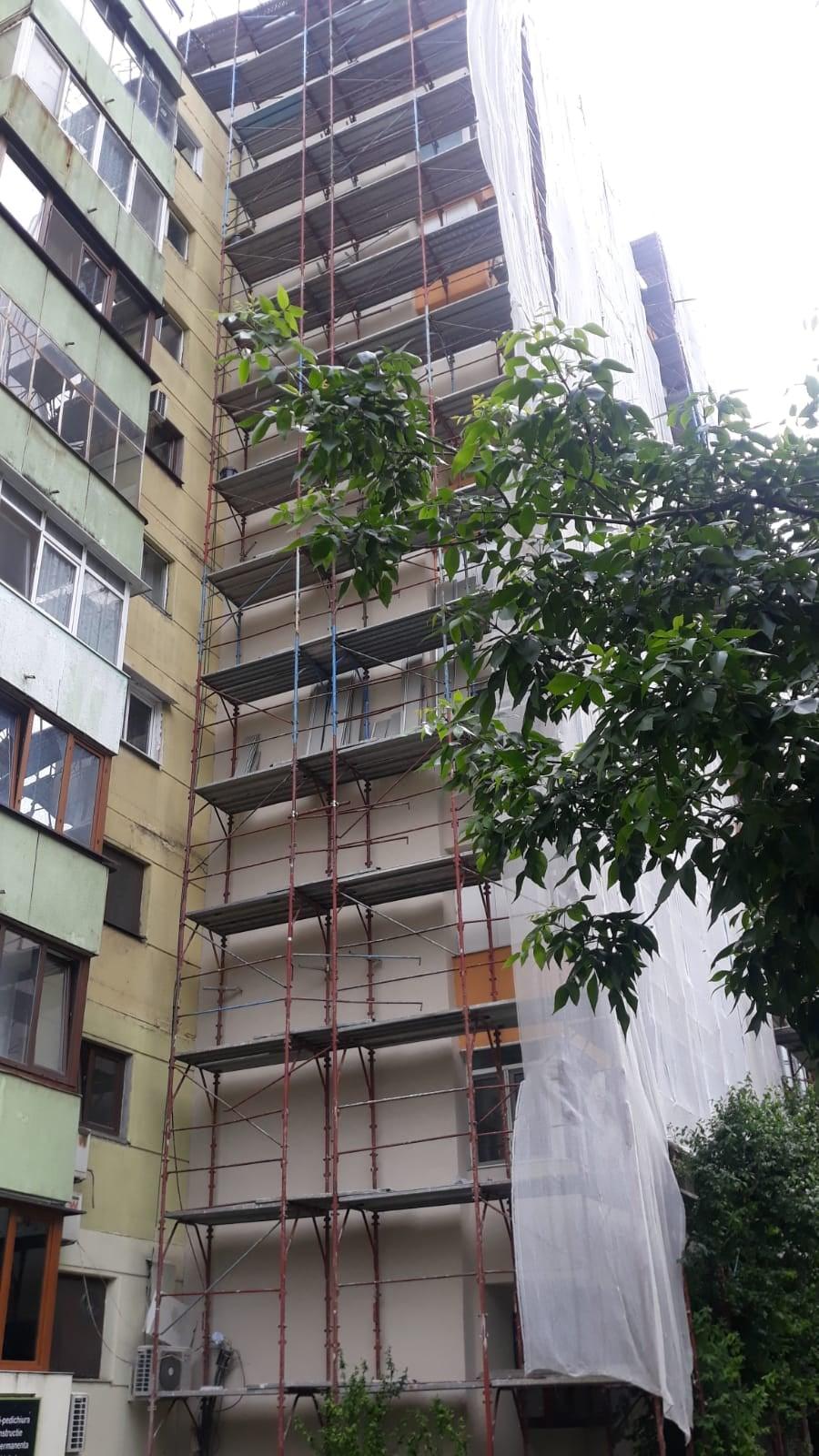 Încep lucrările de reabilitare termică a blocurilor din Sectorul 5. Piedone le face o promisiune cetățenilor