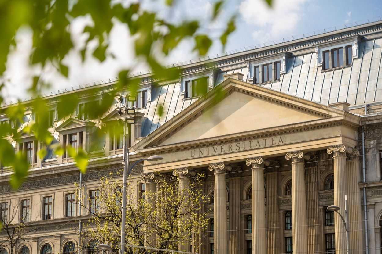 Universitatea din București