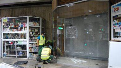 Photo of Au fost demolate chioșcurile ilegale de la stația de metrou Izvor. Piedone, ironic: Am venit să îmi iau și eu jumătatea aia de stație