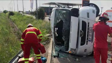 Photo of Un microbuz s-a răsturnat pe Autostrada Soarelui