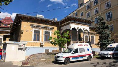 Photo of În casa generalului Lahovary din București se pot face întreruperi de sarcină, bustul i-a fost furat, osemintele aruncate din cavou, iar în locul lor se odihnește bunicul lui Marian Vanghelie