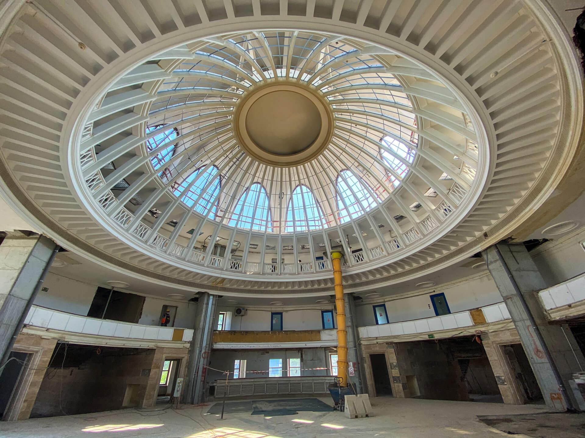 Lucrările de la Aeroportul Băneasa au fost prelungite cu două luni. Astfel, recepția se va face abia în toamnă. Câți călători va putea primi Aeroportul Băneasa