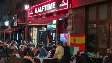 """Photo of Cum a înviat EURO 2020 Centrul Vechi al Capitalei după un an de pandemie. """"Păi, nu prea l-a înviat. Multă gălăgie, dar vânzări normale, ca-n 2019"""""""