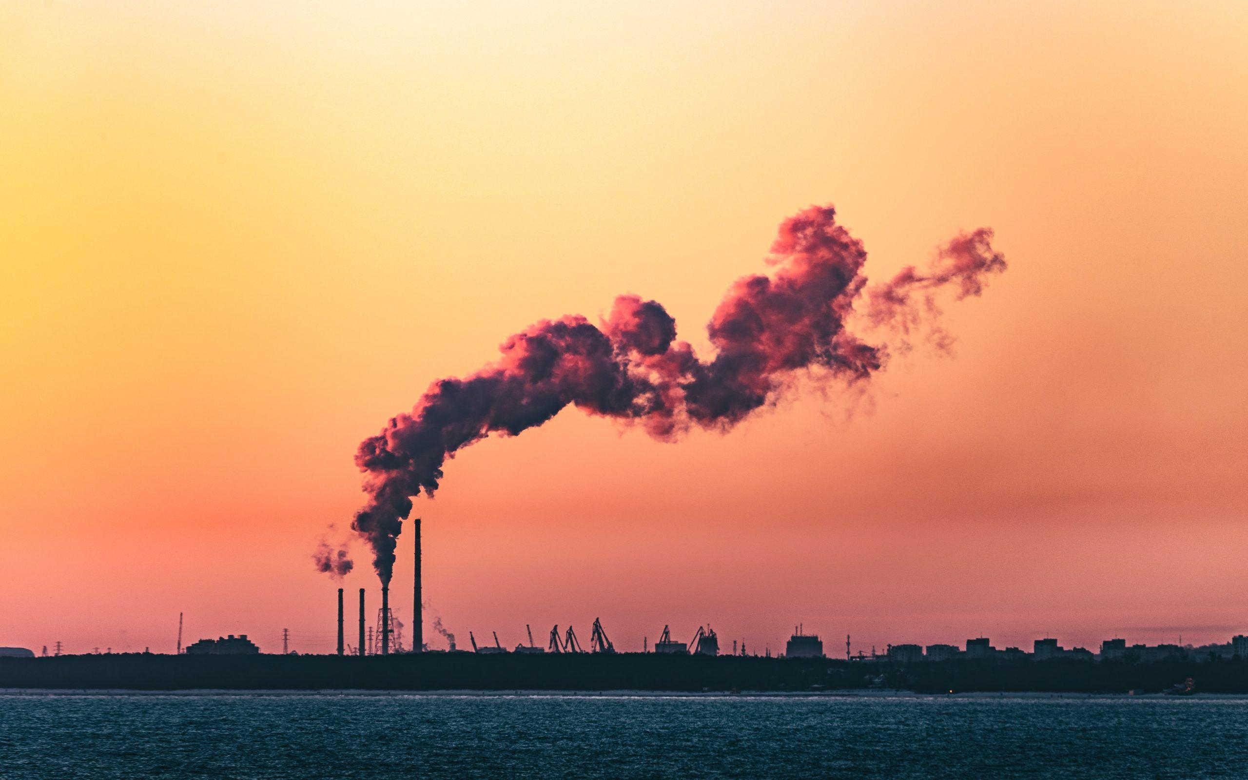 Combaterea poluării în București. Primăria Capitalei continuă elaborarea unui nou Plan Integrat de Calitate a Aerului