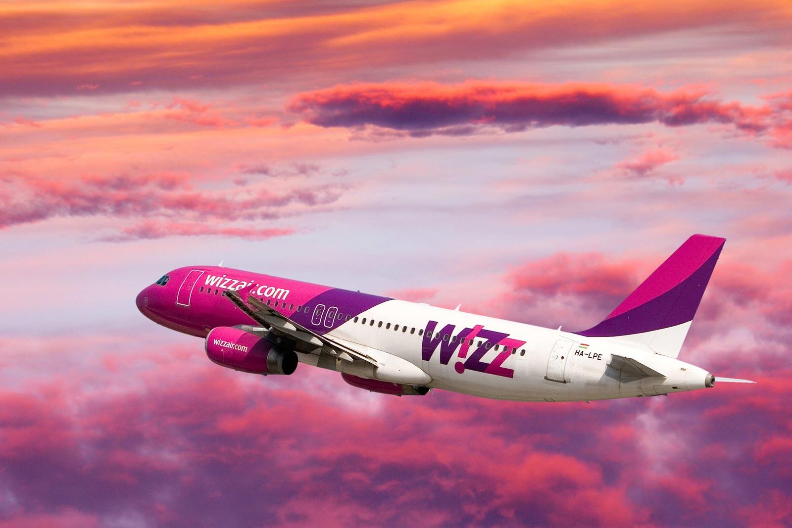 Zeci de oameni au rămas în Spania după ce WizzAir a vândut mai multe bilete