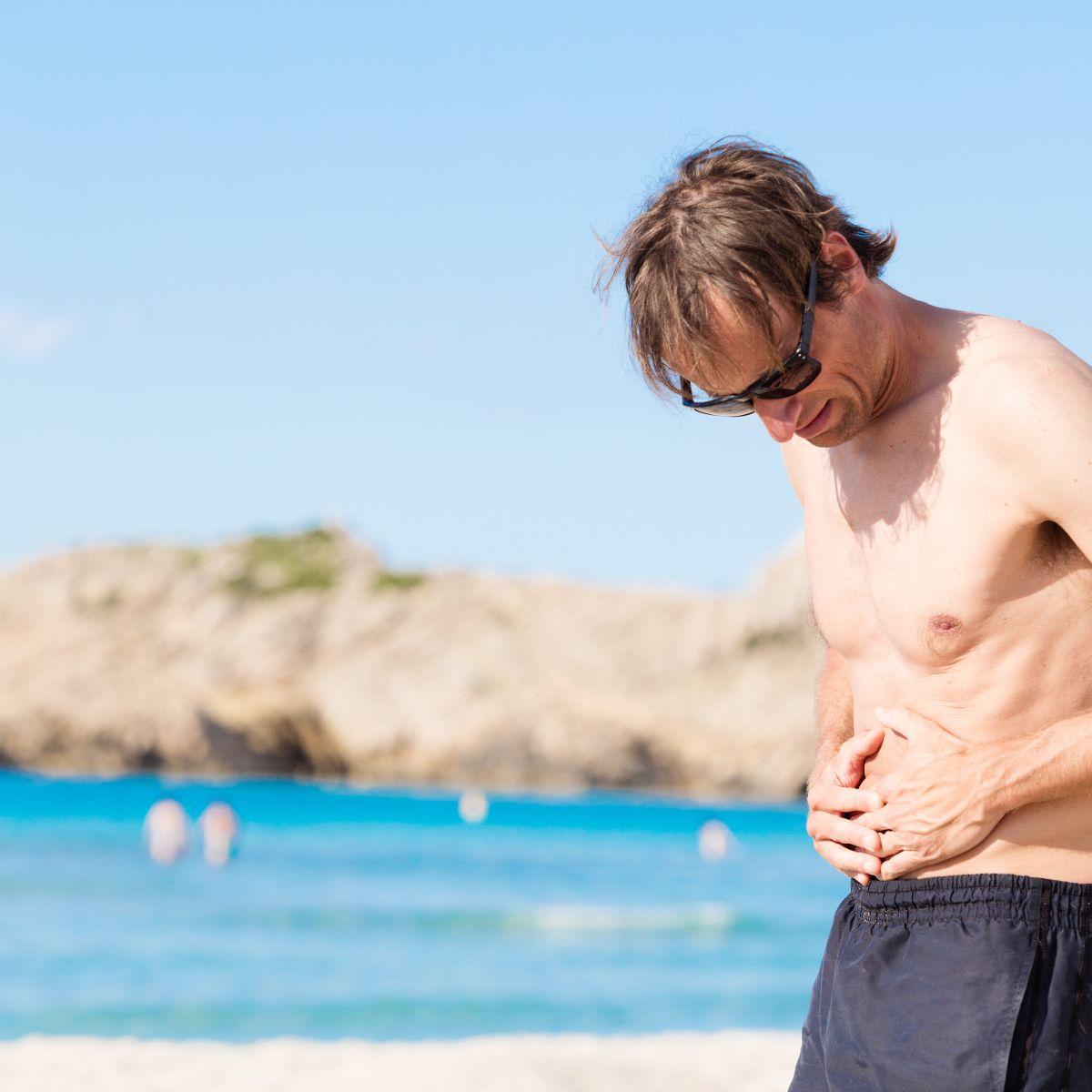 Ghid practic. Mai bine pe plajă decât la medic: Cum evităm enterocolitele distrugătoare de vacanțe