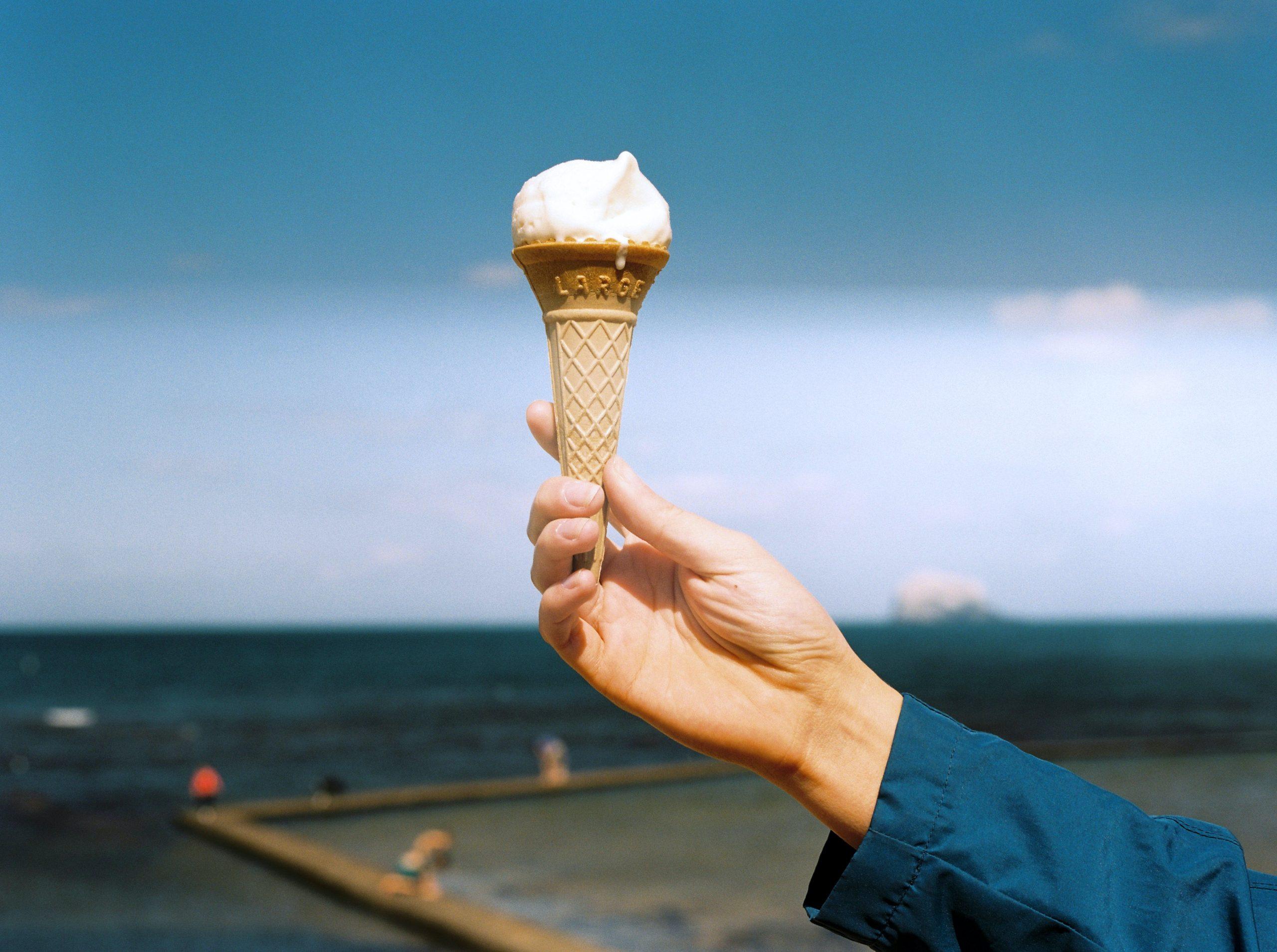 Atenție, români. Milka retrage mai multe stocuri de înghețată de pe piață. Până când puteți să le returnați