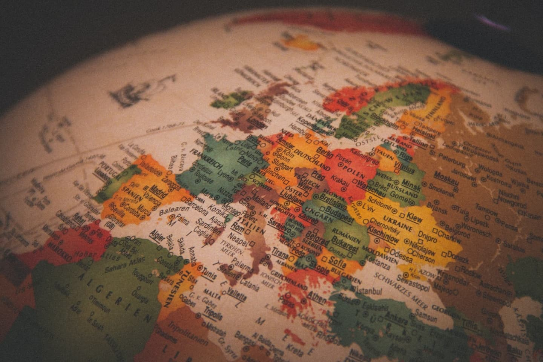 Hotărâre CNSU. Modificări importante privind lista țărilor în funcție de rata de incidență COVID-19: Grecia intră în zona roșie