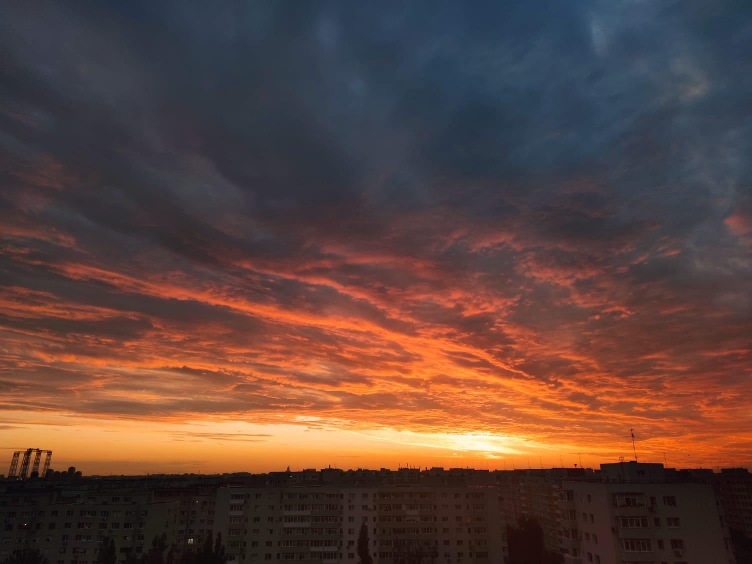 Prognoza meteo ANM pentru București. Vin ploile și furtuni, dar nu scăpăm de caniculă