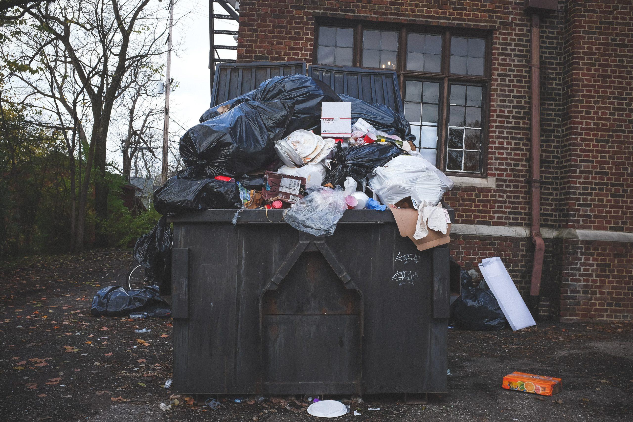 Radu Mihaiu a făcut anunțul! A fost decisă noua taxă de gunoi - Cât vor plăti locuitorii Sectorului 2 pentru ridicarea gunoaielor