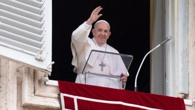 Photo of Papa Francisc a fost internat pentru o intervenție chirurgicală. Ce probleme de sănătate are Suveranul Pontif