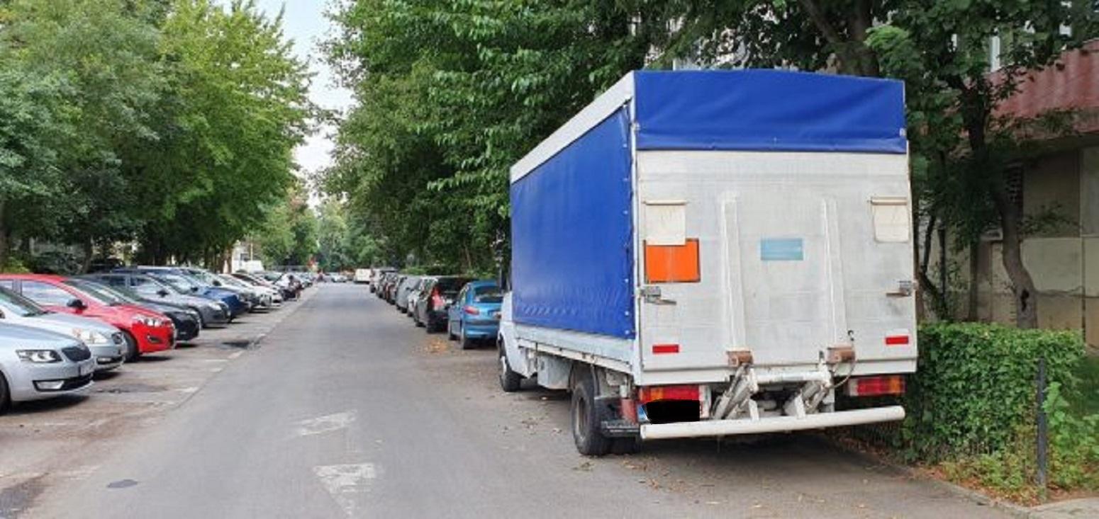 Campanie de eliberare a domeniului public ocupat de mașini parcate neregulamentar în Sectorul 4
