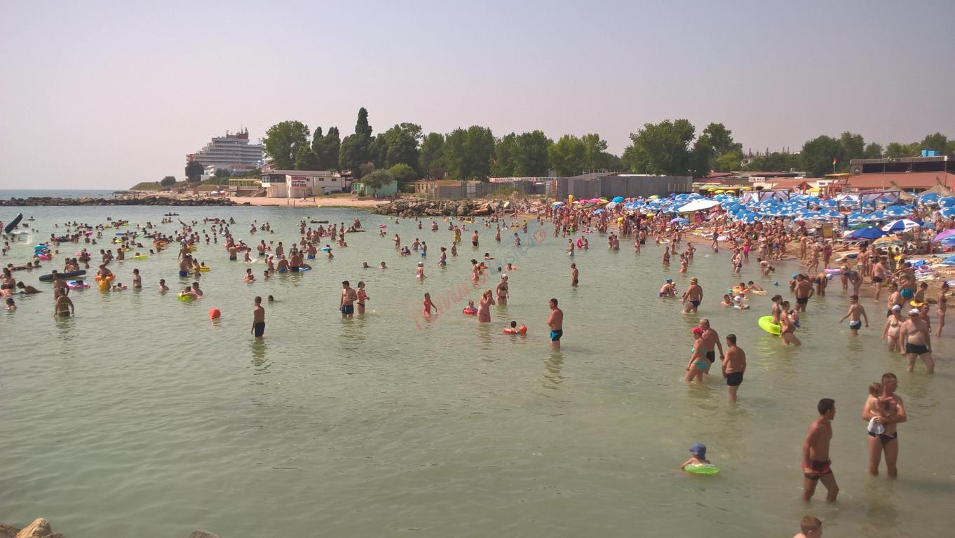O mie de elevi din București nu mai pleacă la mare pe banii Primăriei