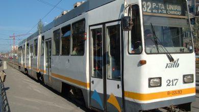 Photo of Un tramvai s-a rupt în două și a deraiat de pe șine pe linia lui 32. Călătorii STB au fost preluați cu autobuze VIDEO