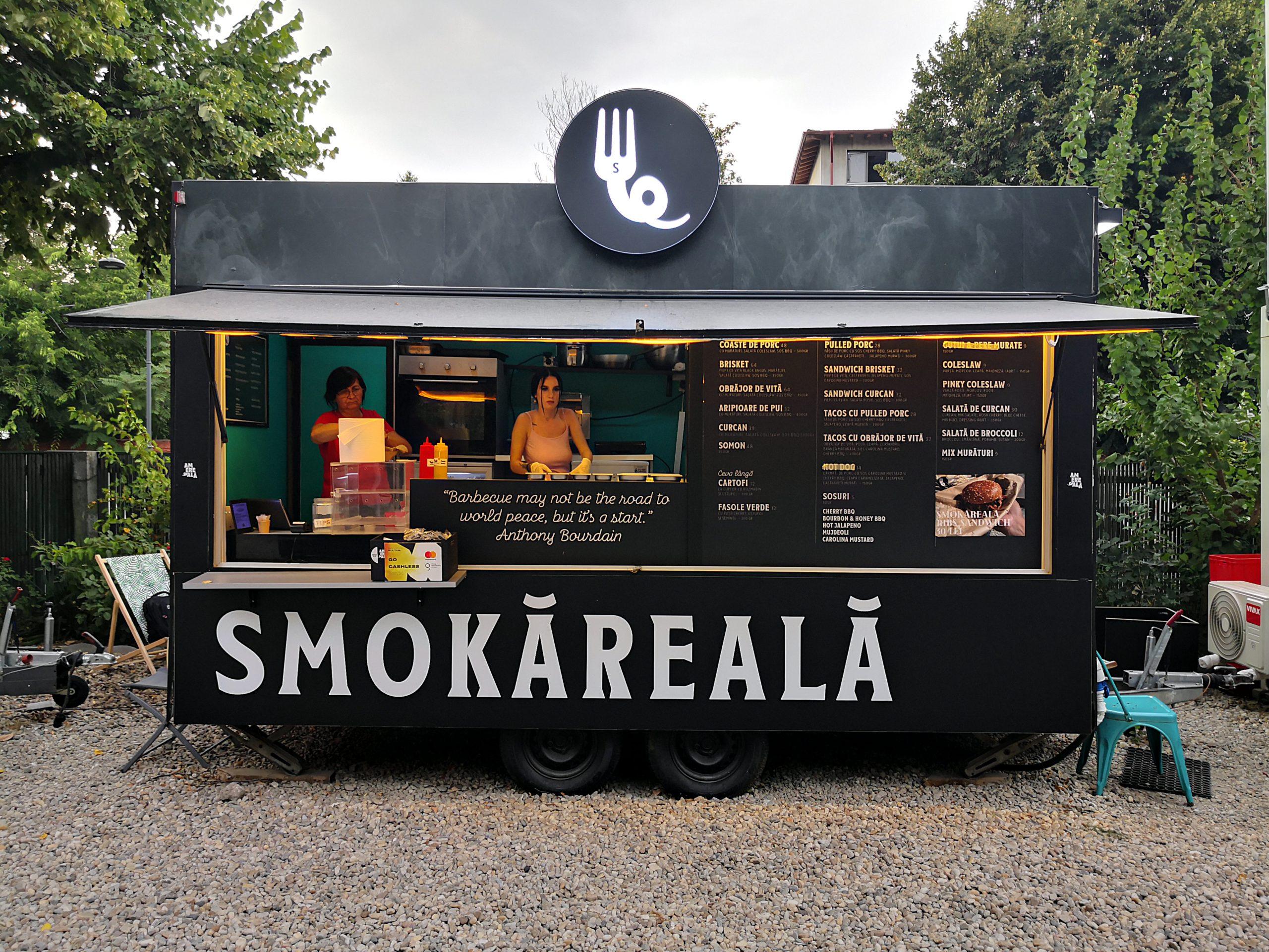 Mai pot și Smokăreală! Dezmăț cu brisket fraged de vită black angus cu carolina mustard și tacos cu pulled pork și jalapeno. Brainfreeze cu înghețată de cremă de alune și ciocolată cu migadale prăjite la Gelateria La Romana dal 1947
