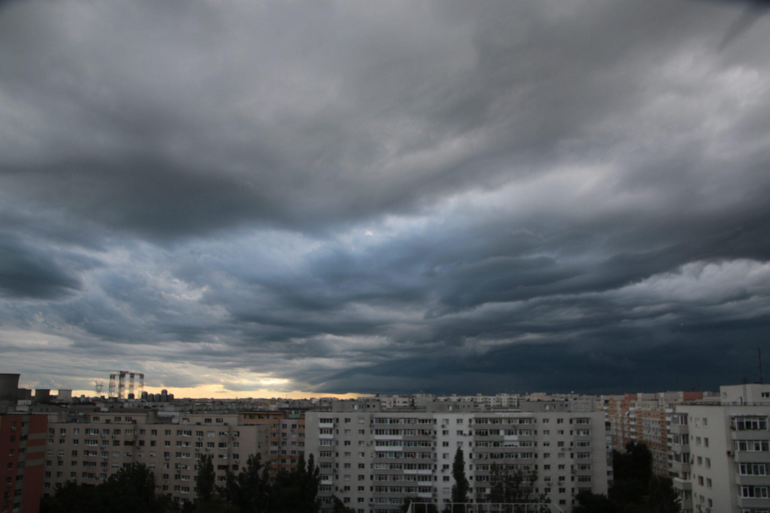 Alertă meteo cod galben de vijelii și averse în Ilfov și Giurgiu. Ce localități sunt vizate de atenționarea ANM