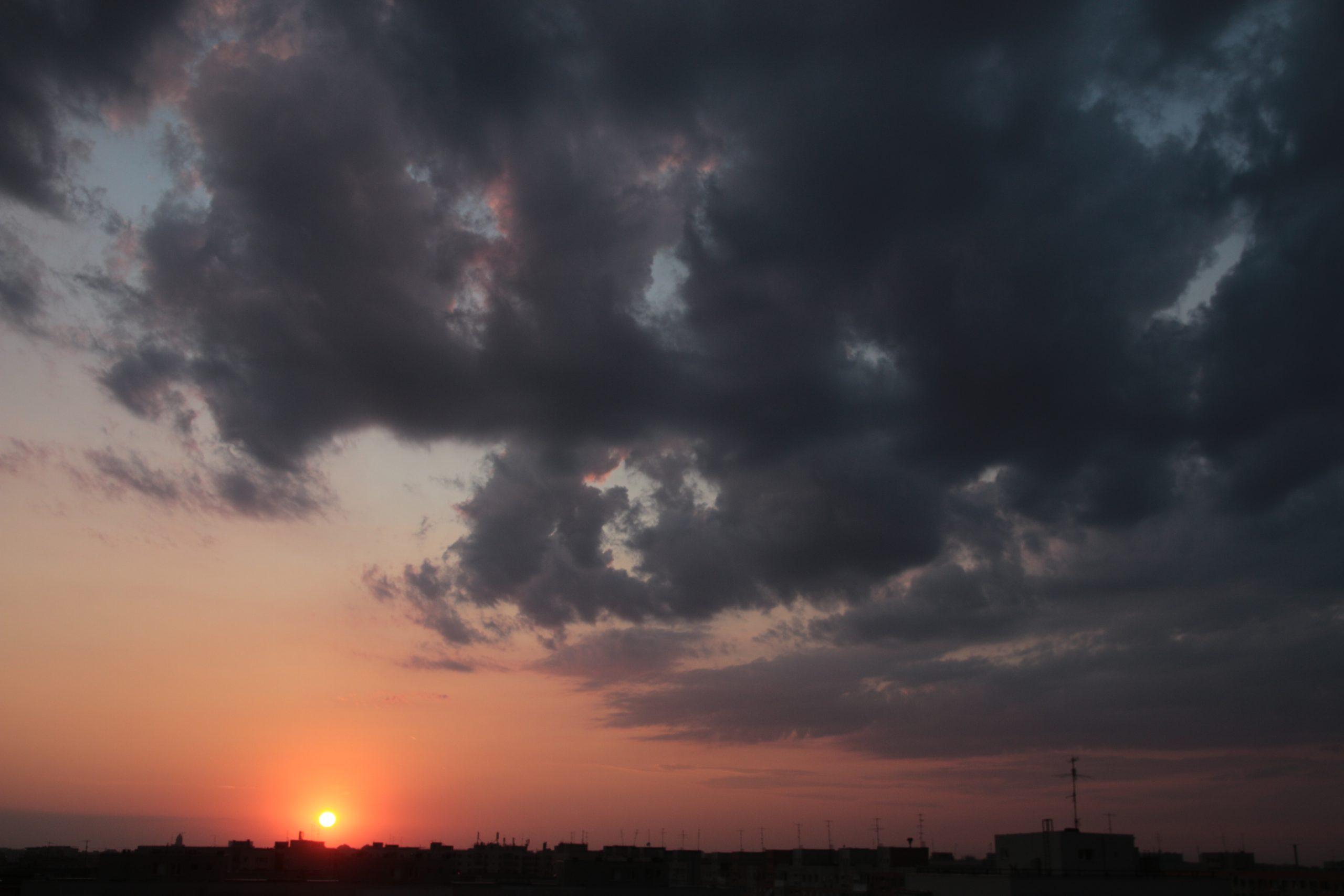 Prognoza meteo pentru București vine la pachet cu o avertizare ANM de caniculă. Cod Galben cu 38 de grade până marți în Capitală