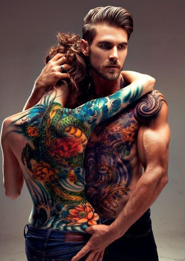 Un bucureștean și-a tatuat numele iubitei pe frunte și acum vrea să-l scoata. Afacerea tatuajelor din București: 11 saloane autorizate, 3000 la negru