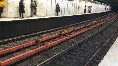 Photo of Atenție, se închid ușile. De ce este atât de bizară și de periculoasă stația de metrou din Piața Romană din București, stația sinucigasilor?