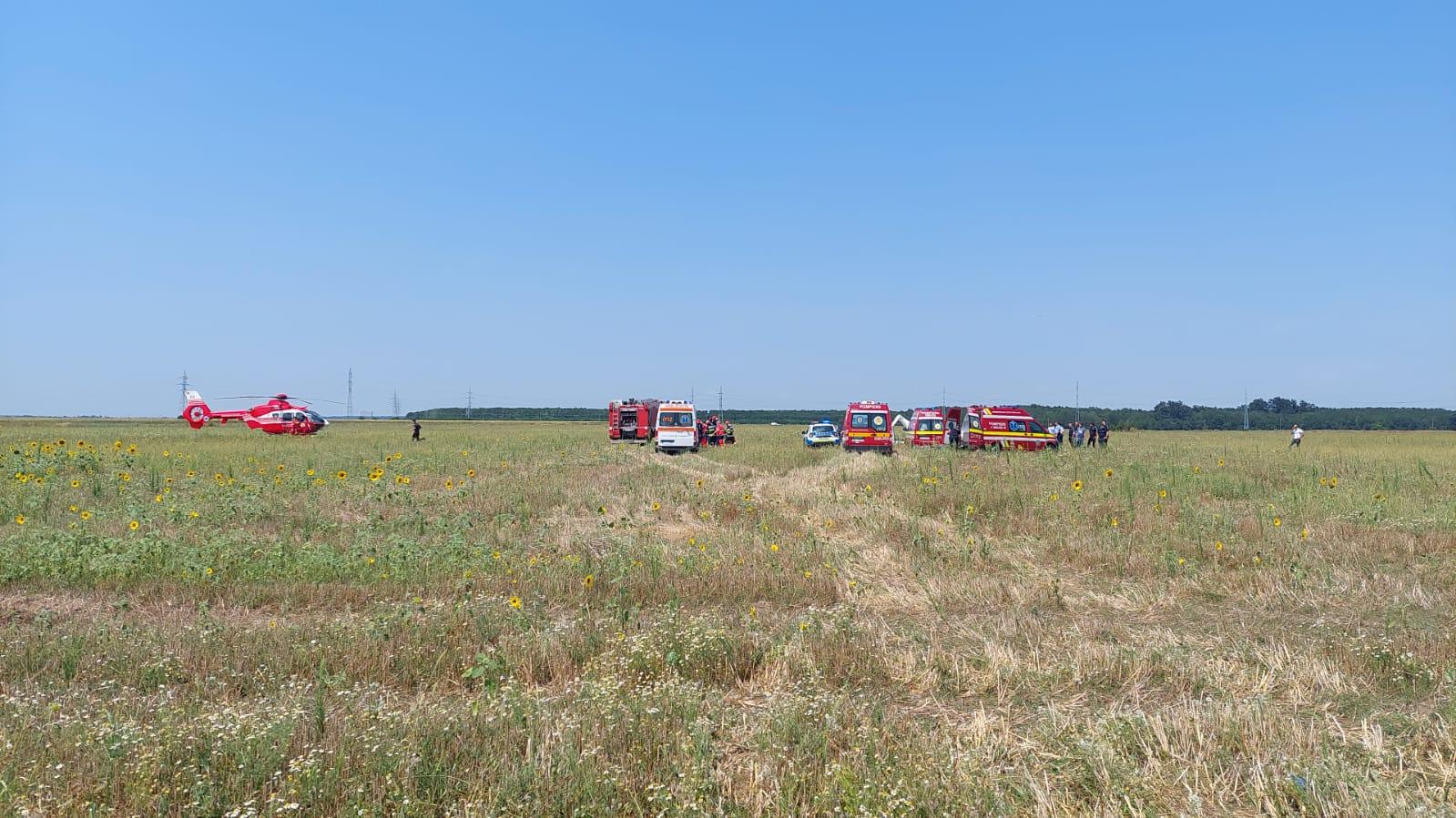 BREAKING NEWS   Accident aviatic lângă București! Un avion s-a prăbușit în Chitila   VIDEO & FOTO   UPDATE