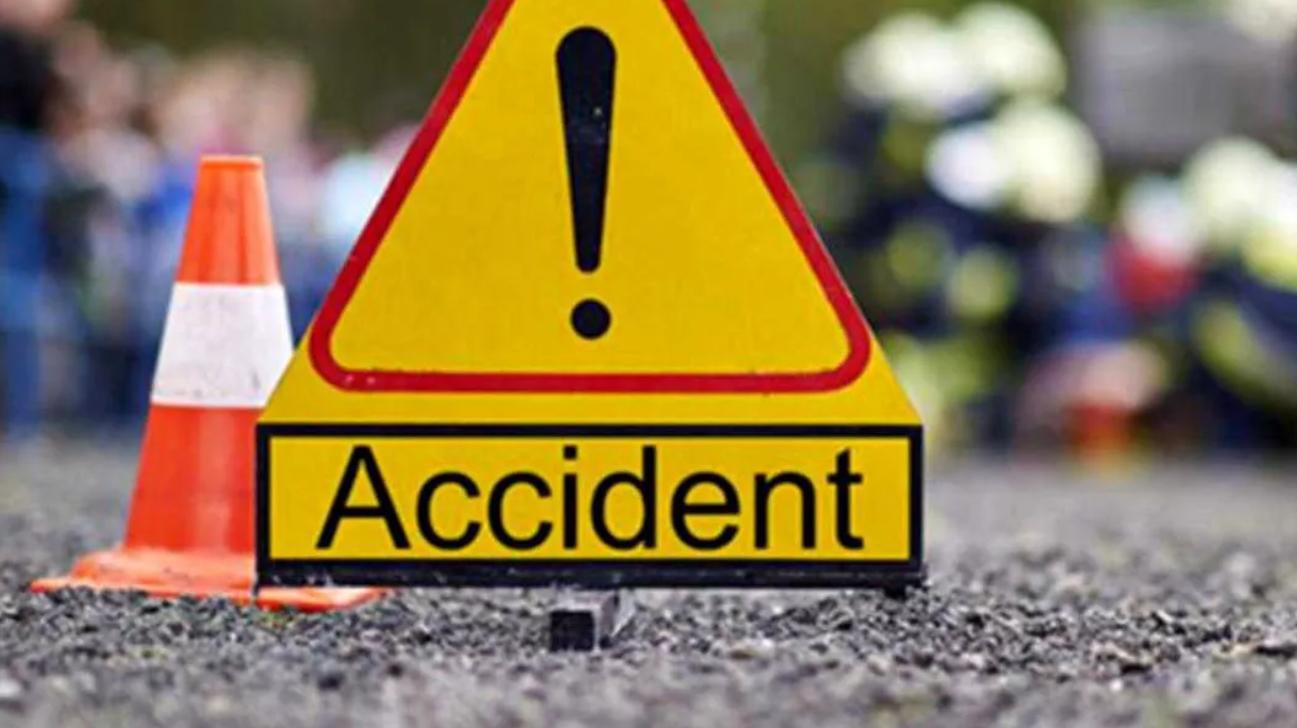 Problemă majoră în trafic. Lipsa marcajelor sau indicatoarelor rutiere duce la multe accidente. Cine se face vinovat?