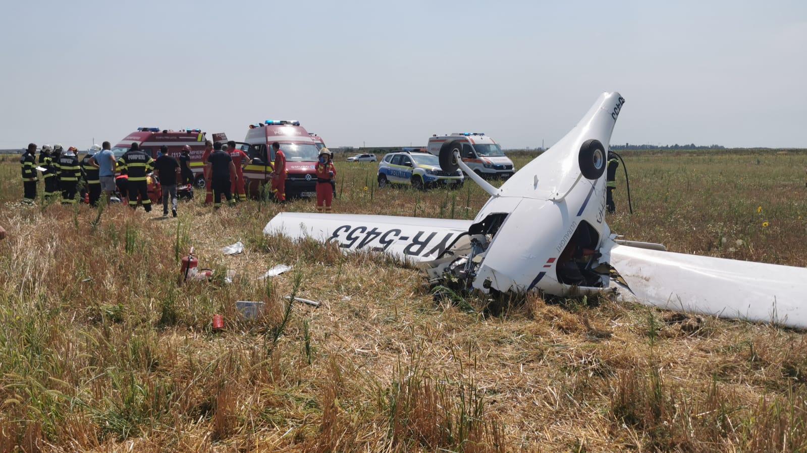 Apar noi detalii după accidentul aviatic de lângă București. Era pilotat de un om de afaceri, iar aterizarea a fost mult mai violentă decât pare VIDEO