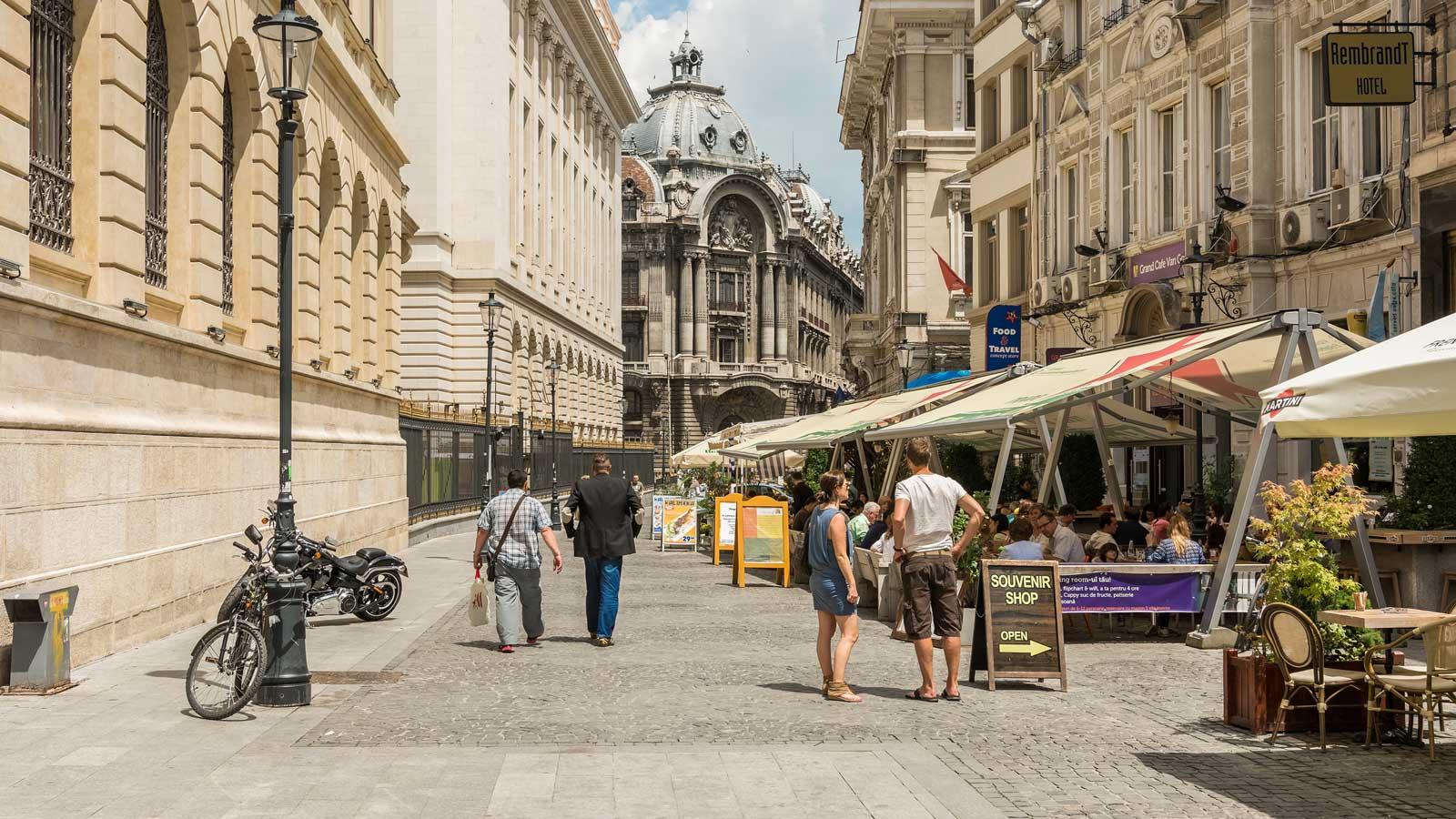 Prognoza meteo pentru București anunță o zi călduroasă și însorită. Nu putem spune însă același lucru și despre zilele următoare însă, potrivit ANM