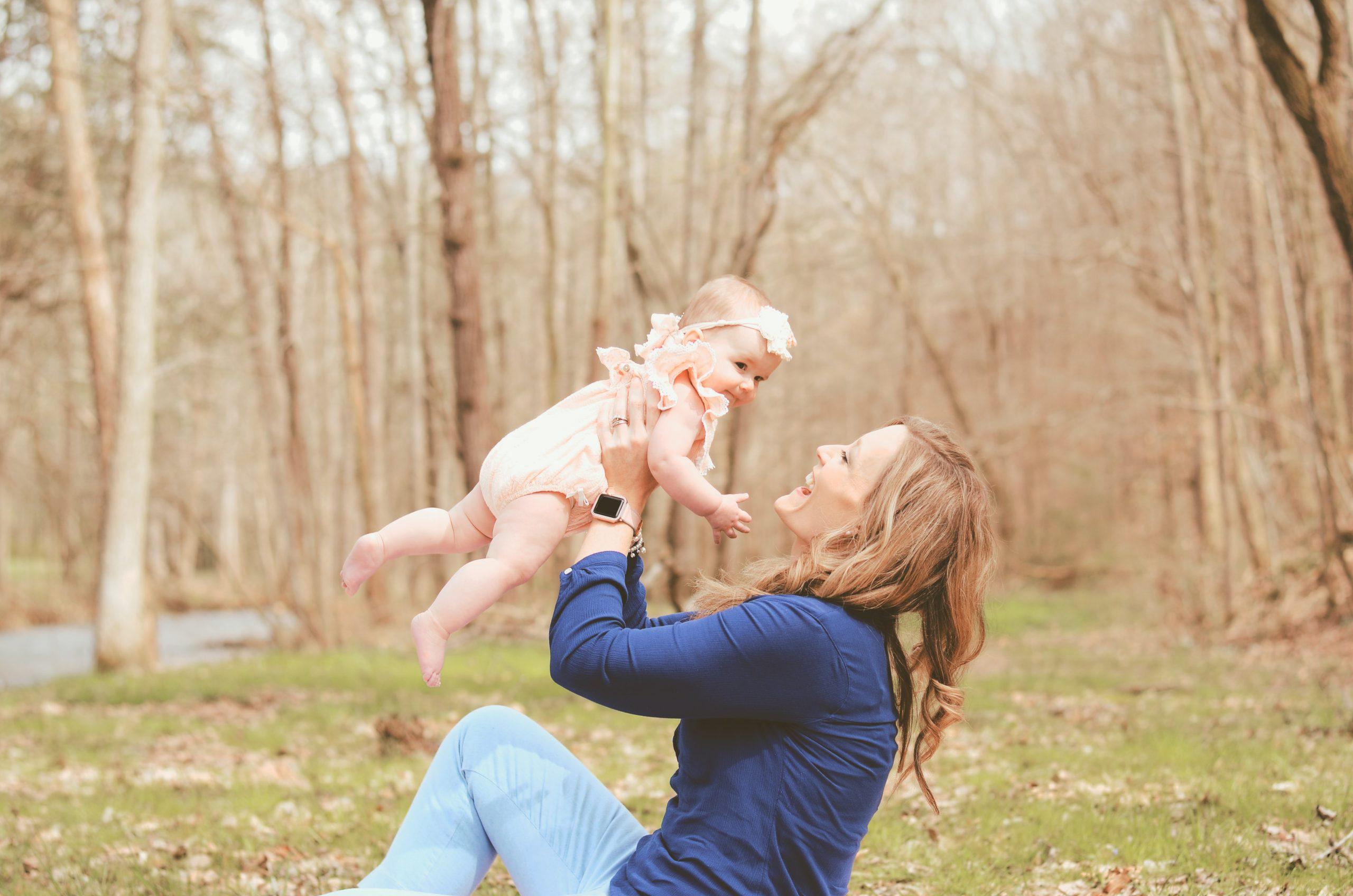 Mamele ar putea primi până la 2.000 de lei în primele trei luni de la naștere. Ce condiții trebuie să îndeplinească pentru acest stimulent