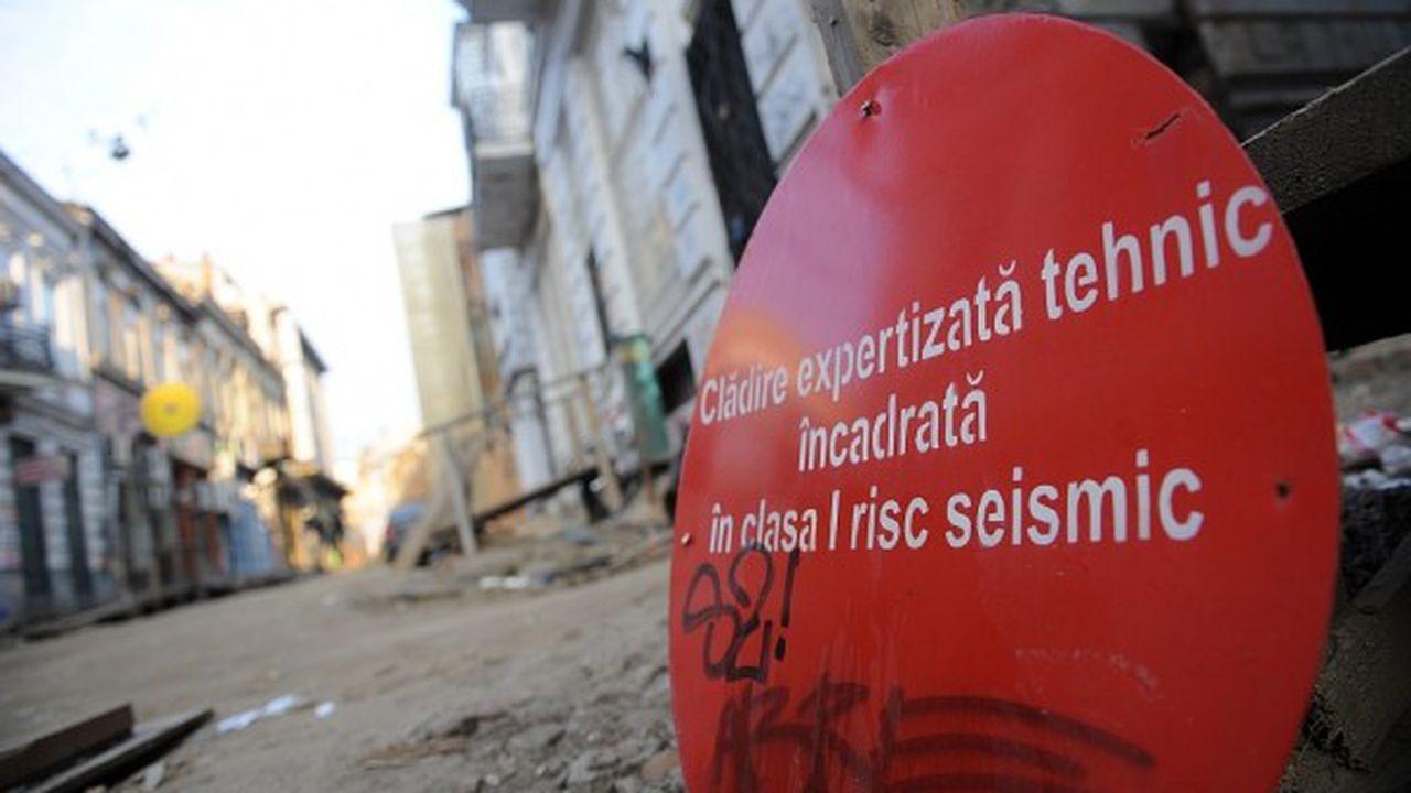 Imaginea Bucureștiului după un cutremur major. Peste 2000 de clădiri prăbușite, 218 hectare cu dărâmături, 400 de străzi blocate