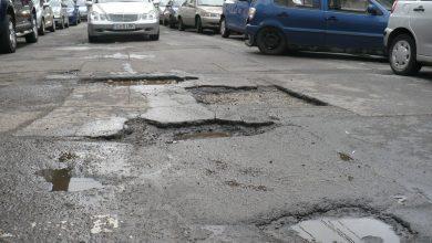 Photo of Primăria Capitalei anunță că repară străzi de câteva zile. Spune că a astupat deja niște gropi, a marcat străzi și a reglat semafoare. Groapa voastră mai e?