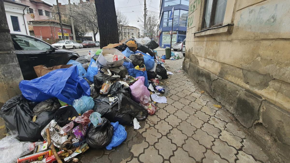 Sectorul 1 rămâne în stare de alertă din cauza gunoaielor. Solicitarea PSD, respinsă de judecători