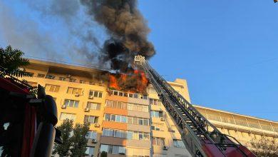 Photo of Incendii azi-noapte în București. Apartamentul unor pictori de la etajul 9 a luat foc. Apoi o candelă a aprins alte două butelii în altul | VIDEO