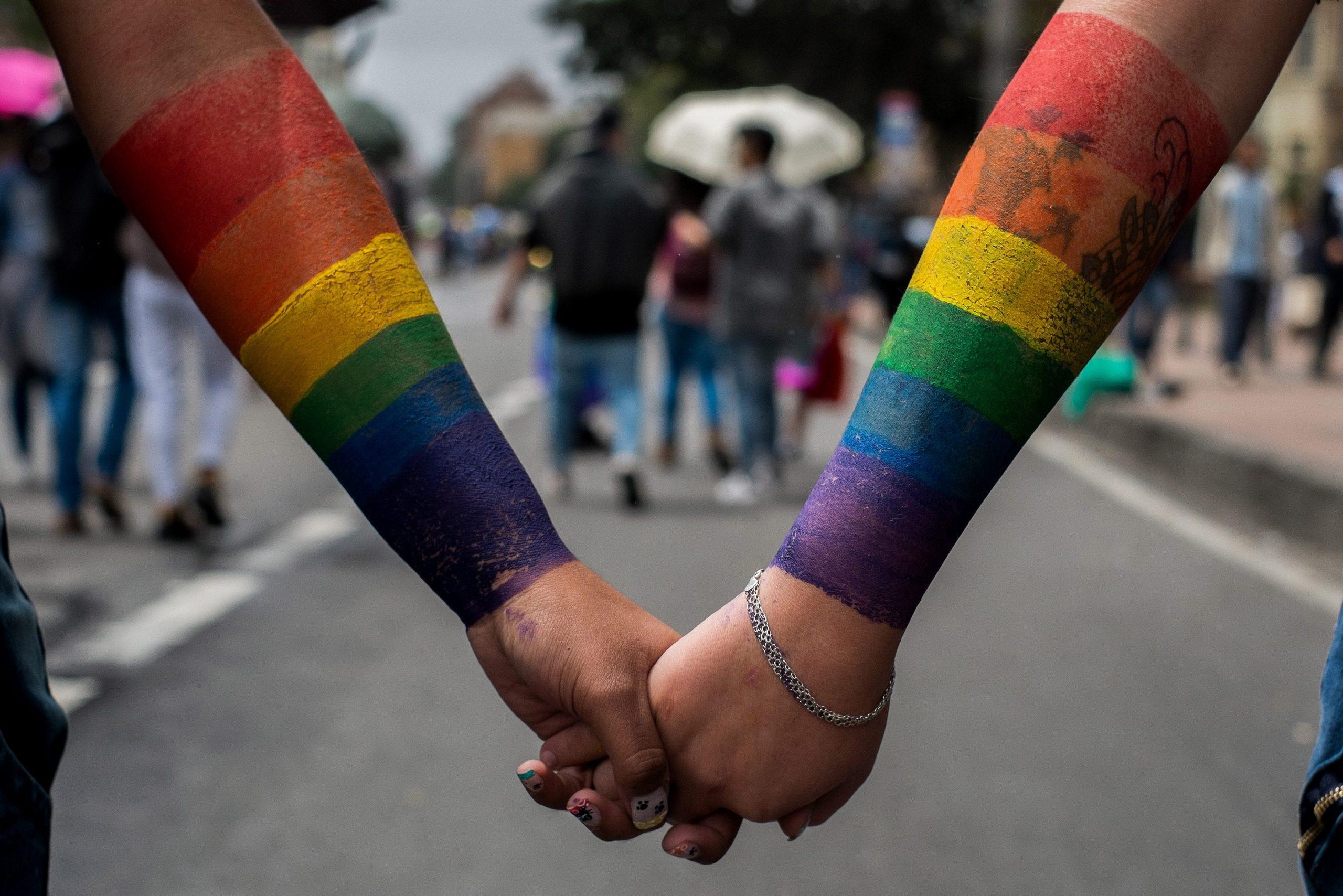 Primăria Capitalei și-a pus în cap comunitatea LGBTQ după refuzul privind parada anuală din 14 august. Ieri a fost un marș în Capitală în semn de protest. PMB propune un nou dialog