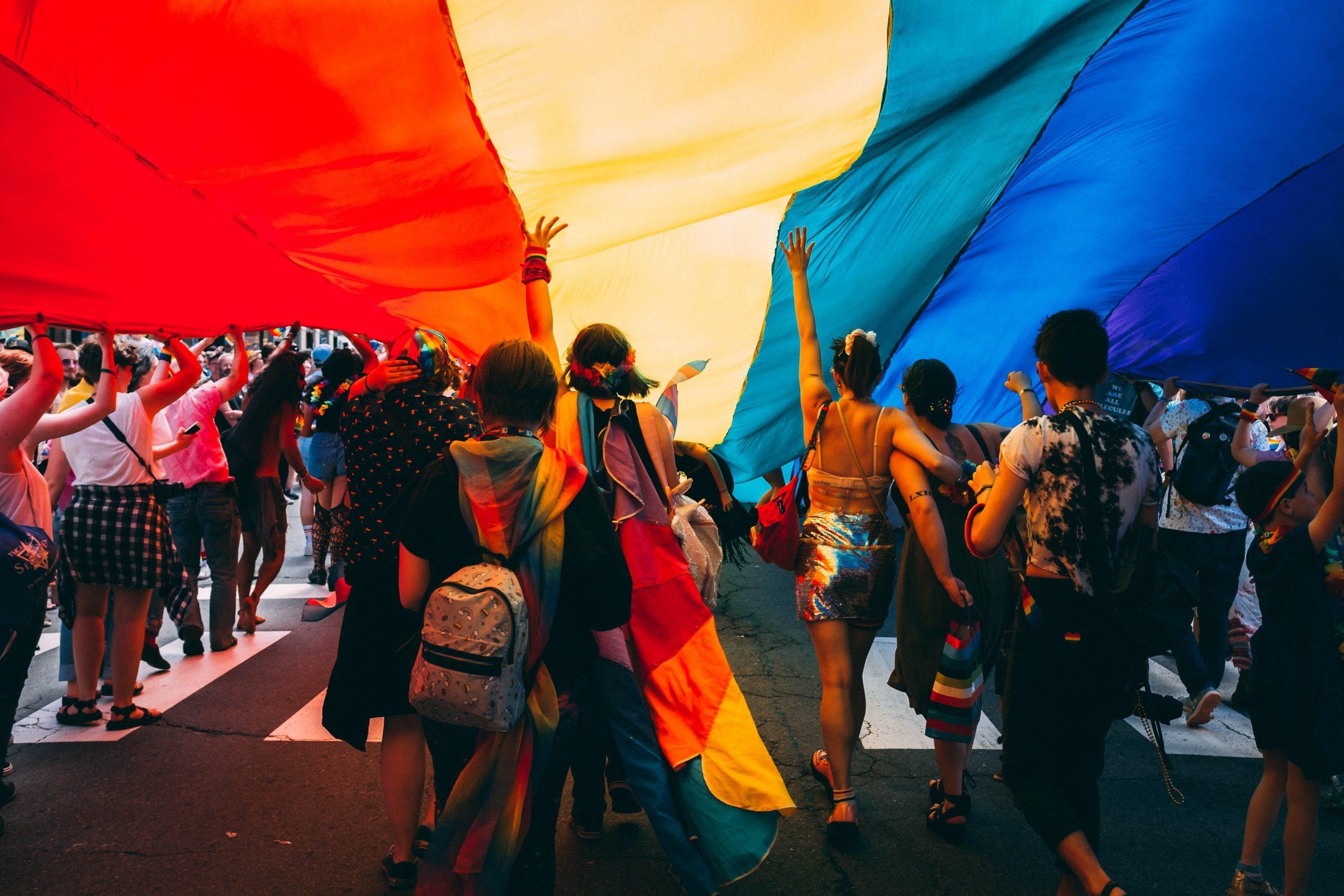 Nicușor Dan va permite, până la urmă, organizarea paradei Bucharest Pride pe 14 august. Unde va avea loc și câte persoane pot participa