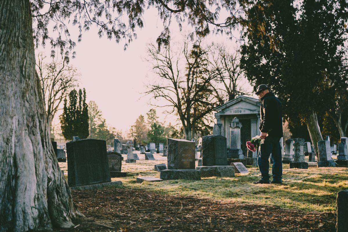 Ce înseamnă servicii complete de pompe funebre în Brașov? (P)