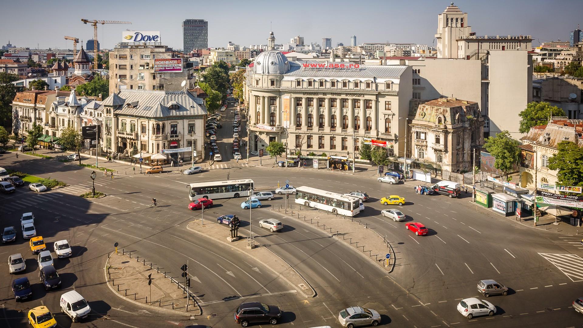 Autobuzele liniei 381 vor opri de două ori la Piața Romană. Cum se modifică traseul acestora, potrivit STB